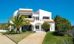 Villa V6 avec beau terrain proche Castro Marim et Vila Real de Santo António