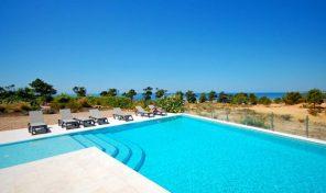 Villa V5+2 avec vue mer à quelques pas de la plage à Albufeira