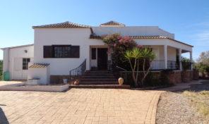Maison T3 avec garage à São Bartolomeu de Messines
