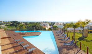 Villa V4 avec garage et vue mer proche plage Sao Rafael