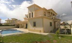 Villa moderne V3 à 5 min de la plage à Albufeira