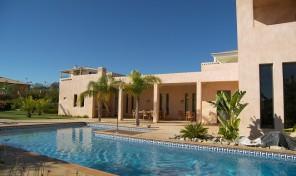 Villa moderne V4 avec annexe et garage à Lagos