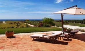 Villa de luxe V4 avec superbe vue mer proche Burgau
