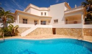 Villa V4 avec garage et vue mer proche plage à Albufeira