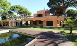 Villa V4 haut standing avec beau jardin à Vilamoura