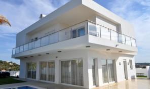Villas modernes V3 avec petit jardin proche Lagos