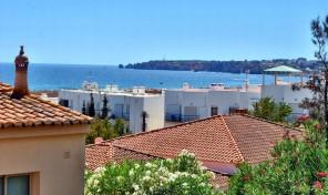 Duplex T2 avec vue mer à 50 mètres de la plage de Meia Praia