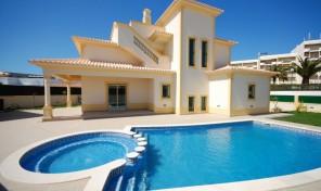 Villa V3 avec garage et vue mer à Albufeira