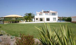 Villa de luxe V5 meublée proche Golf Salgados