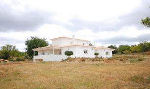 Villa T5 meublée avec garage et grand terrain proche Boliqueime