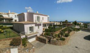 Villa V4 avec vue mer et garage sur les hauteurs d'Albufeira
