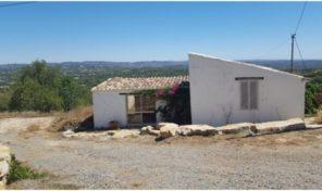 Maison de charme à rénover et cottage séparé T1 sur 11 600m2 de terrain proche São Brás de alportel