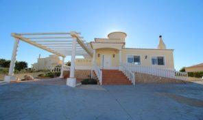 Villa V3 avec piscine proche Alvor