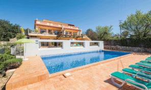 Villa séparée en 2 V3+3 proche Faro