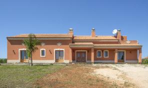 Propriété V3 avec grand terrain à la campagne en Algarve