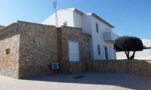 Villa V5 avec grand garage et piscine proche Altura