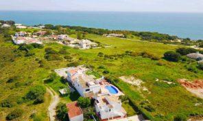 2 villas sur le même terrain proche de la plage