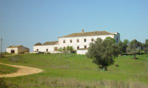 Ancien manoir 19 chambres sur 9 hectares de terrain proche plage
