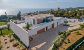 Villa moderne V5  avec vue mer et garage proche plage à Lagos