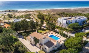 Villa V4 à 300mètres de la plage et proche golf proche Albufeira