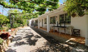 Quinta avec appartements sur 2.86 hectares proche Lagoa