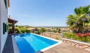 Villa V4 avec sous sol et vue campagne à Algoz