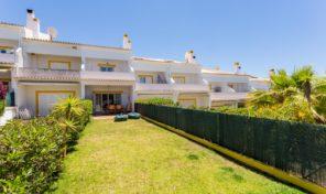 Maison jumelée T2+2 proche plage et golf à Albufeira