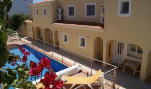 Villa jumelée T3 avec garage à Espiche