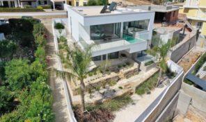 Villa neuve V3+1 avec vues mer et ville à Lagos