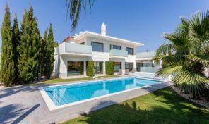 Villa moderne V4+1 à quelques pas de la plage proche Albufeira
