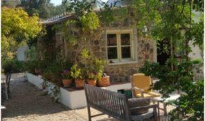 Maison T2 et studio sur grand terrain proche Santa Catarina