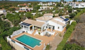 Villa V3 avec garage et piscine chauffée proche Lagos