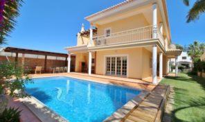 Villa V3+1 avec garage dans quartier résidentiel à Lagos