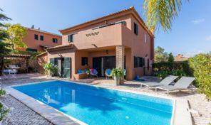 Villa V3  avec petite parcelle et piscine à Algoz
