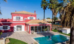 Villa V4 avec garage et piscine à São Bartolomeu de Messines