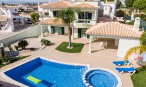 Villa V5 à 700 mètres de la plage à Albufeira
