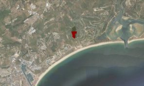 Terrain de 3292m2 constructible avec vue mer imprenable en Algarve
