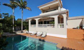 Villa V3 avec garage proche plage de Meia Praia