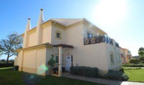 Villa jumelée V3 dans resort Golfique de Boavista