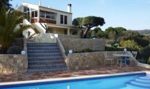 Villa V3 avec grand terrain et belles vues proche Santa Catarina