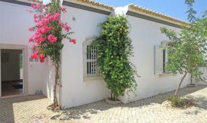 Quinta rénovée divisée en 3 cottages proche centre de Tavira