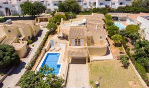 Villa meublée et équipée V4 avec garage à Albufeira