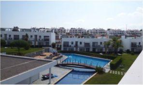 Villa jumelée T3 dans beau condominium à Tavira