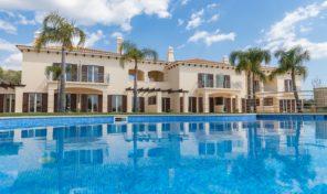 Villas jumelées neuves avec garage proche Albufeira