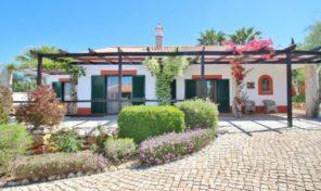 Villa plain pied V3 avec jardin et garage proche Lagos