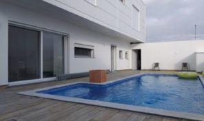 Villa V4 avec garage et piscine proche Tavira et Santa Luzia
