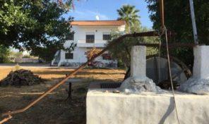 Maison a rénover T3 sur grand terrain proche Olhão