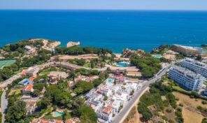 Villa rénovée V3+1 avec vue mer à Porches