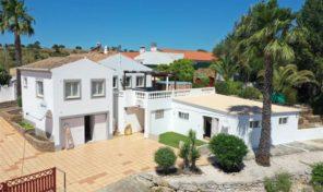 Villa T3 avec appartement et grand terrain à Pincho