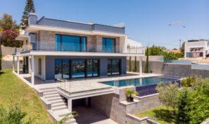 Villa moderne V4 avec vue mer sur les hauteurs à Albufeira